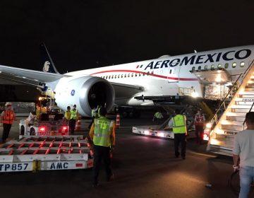 Cargamento con 10.1 toneladas de guantes y mascarillas N95 proveniente de China llega a México