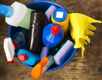 Intoxicadas, más de 300 personas por ingerir desinfectantes; fabricantes llaman a no hacerlo