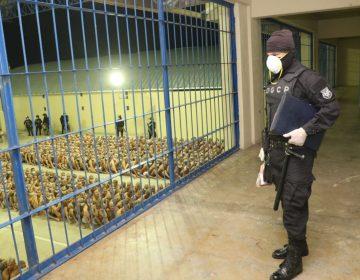 """Presidente de El Salvador autoriza el uso de """"fuerza letal"""" contra las pandillas"""