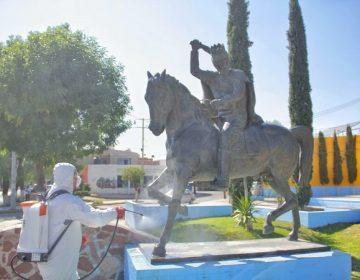 Sanitizan espacios públicos en el municipio de Jesús María