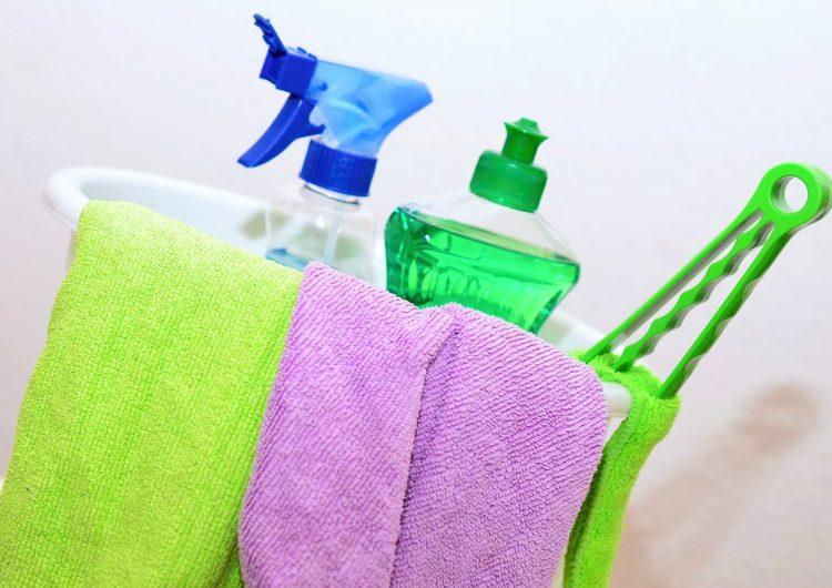 Aumentan consultas por intoxicación con productos de limpieza en EU, ¿sabes cuáles NO se deben mezclar?