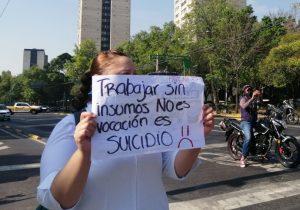 """Contagio de COVID-19 en 20 médicos de una clínica de Tlalnepantla """"vino de fuera"""": IMSS"""