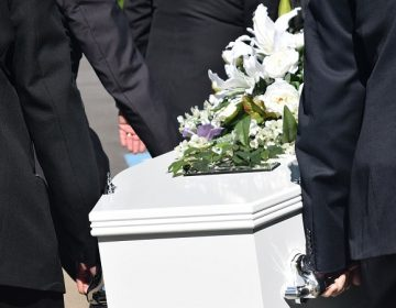 ¿Cómo se deben manejar los cadáveres de fallecidos por Covid-19?