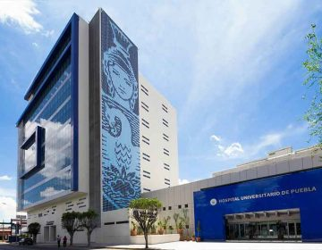 Intentan desmantelar el Hospital Universitario BUAP y atacan al rector Alfonso Esparza
