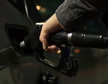 México anuncia acuerdo con Trump para reducir producción de petróleo
