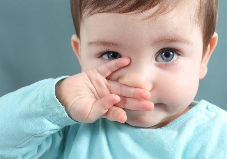 ¿Por qué no podemos dejar de tocarnos la cara? Esto dicen científicos