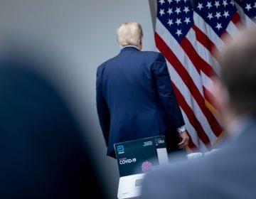 """""""Deberías preguntarle a China"""": Trump enfurece con reportera y abandona conferencia de prensa"""