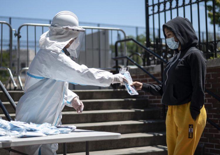 La OMS advierte que el coronavirus podría convertirse en un virus endémico