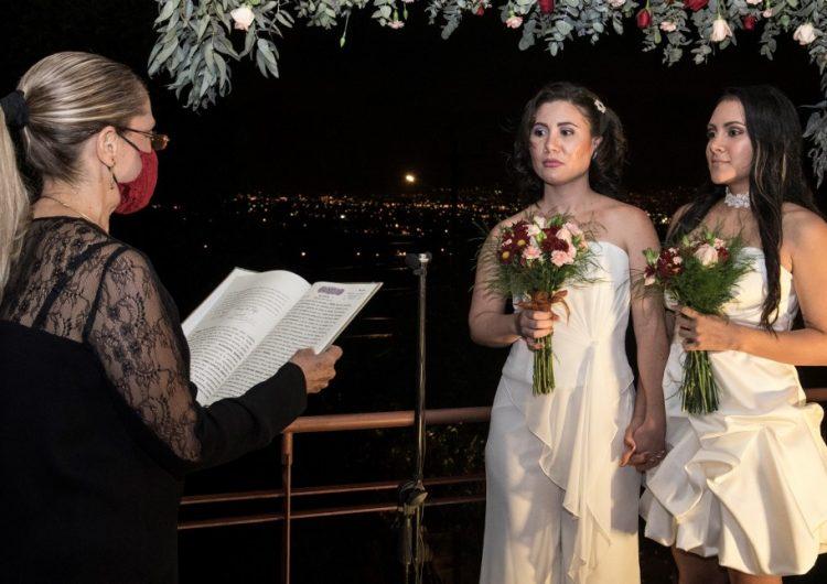 Costa Rica se convierte en el primer país centroamericano en aceptar el matrimonio igualitario