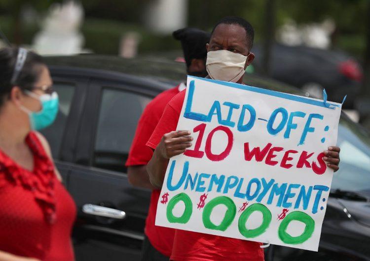 Más de dos millones de personas solicitan subsidios de desempleo en EU