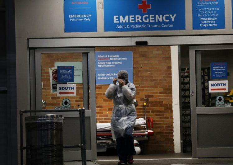 Estados Unidos rebasa las 100,00 muertes por COVID-19, según la Universidad de Hopkins