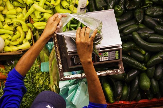 Más de 31 millones de mexicanos laboran en la informalidad