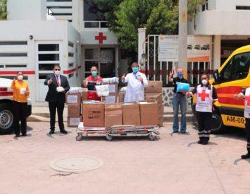 Audi  dona material quirúrgico a personal médico de Puebla