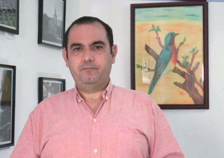 Acusa Cervera ataques personales por no apoyar el crédito de Vila Dosal