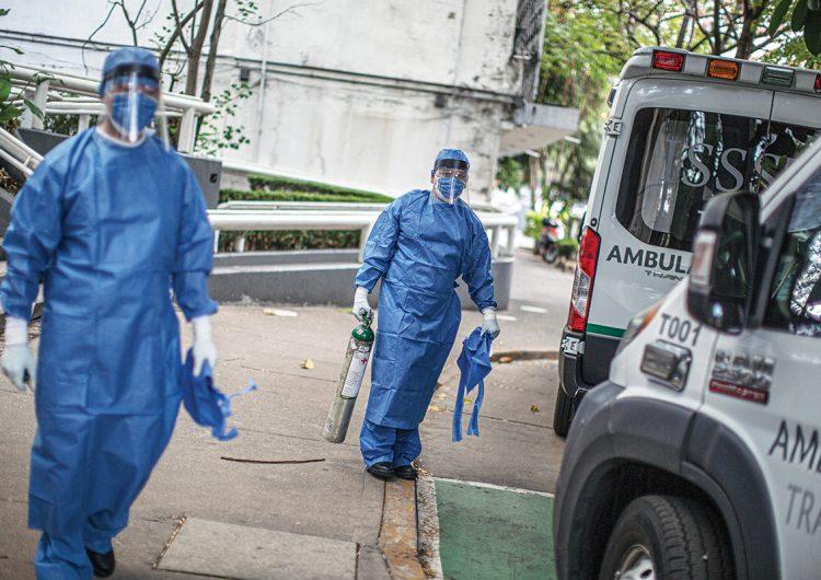 Los héroes del ejército blanco: médicos mexicanos luchan contra el COVID-19
