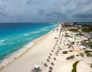 Preparan estrategia turística para reabrir la Riviera Maya