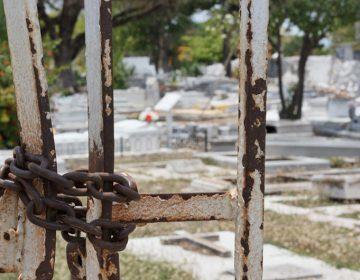 Cierran panteones a visitantes en Mérida (Galería fotográfica)