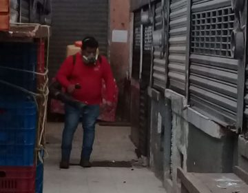 Desinfectan mercados meridanos (Galería fotográfica)