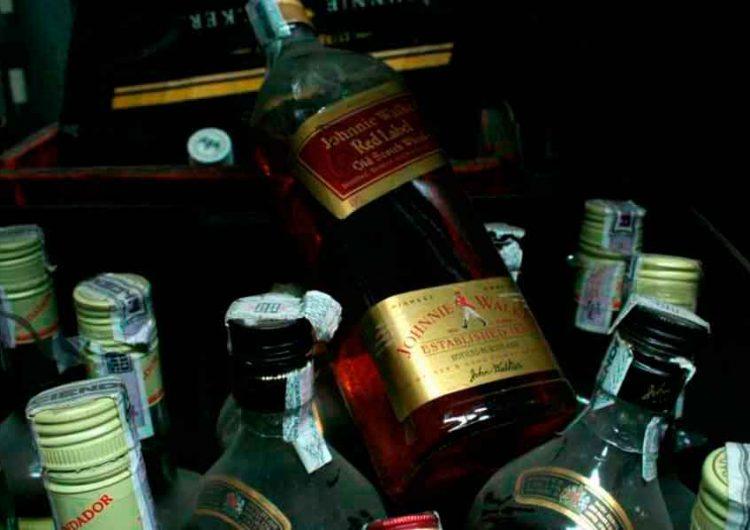 Puebla anuncia castigo para responsables de venta de alcohol adulterado