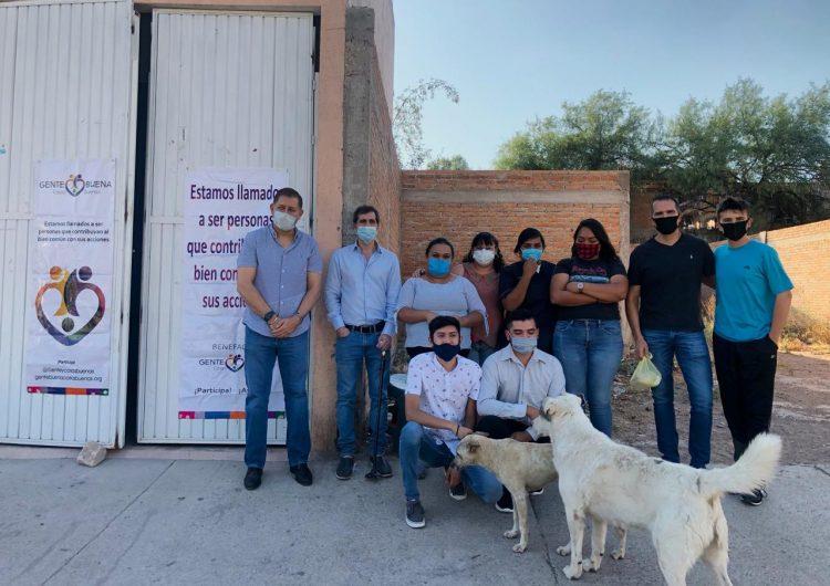 """""""Gente Buena Cosas Buenas"""" brindó alimento a 50 familias"""