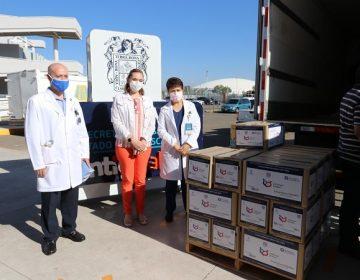 Dona Tec de Monterrey equipo de protección a médicos del Hospital Hidalgo