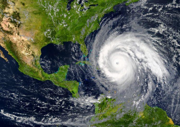 Cómo el coronavirus podría complicar la temporada de huracanes