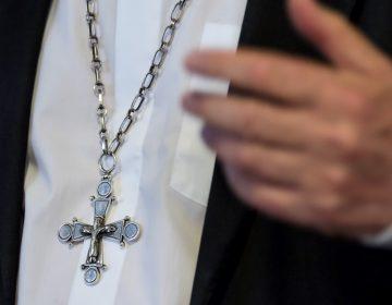 Investigan a obispo sospechoso de encubrir pedofilia en Polonia