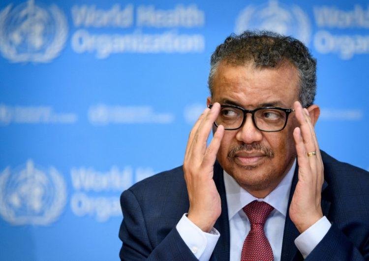 La pandemia sigue acelerándose y sus efectos se sentirán por décadas, advierte la OMS