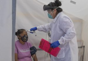 Texas, Arizona y Oregon reportan aumentos significativos de coronavirus después de reabrir la economía