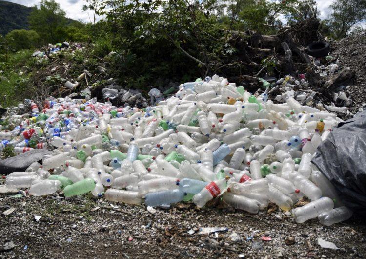 España crea un impuesto para los plásticos no reutilizables