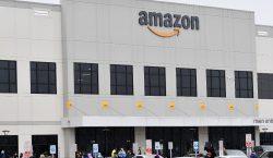 Empleados demandan a Amazon en EU por exponerlos al COVID-19