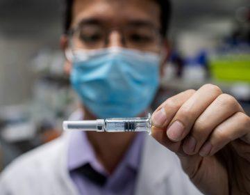Vacuna china genera anticuerpos en el 90 % de usuarios analizados, afirma farmacéutica