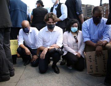 Justin Trudeau se arrodilla en solidaridad con el racismo y la brutalidad policial
