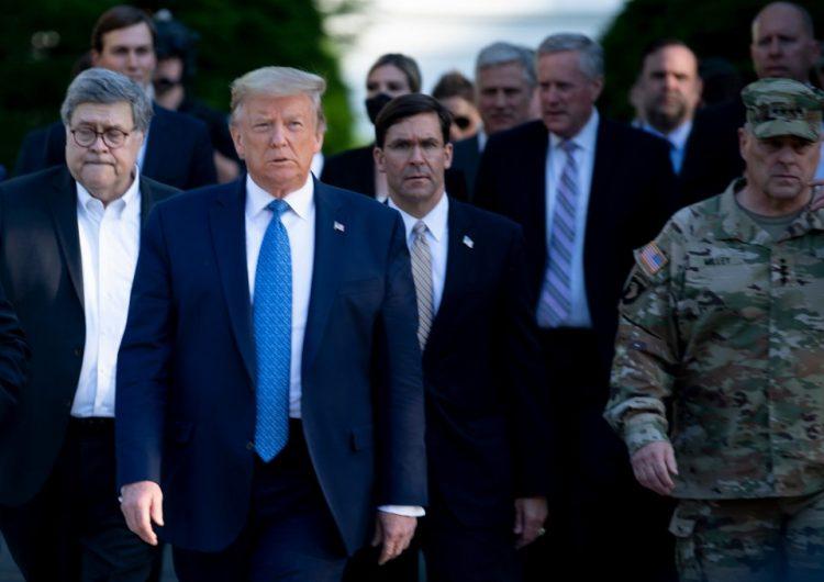 Trump autoriza sancionar funcionarios de la Corte Penal Internacional que procesen tropas de EU