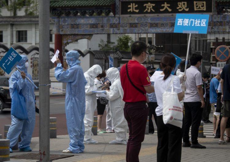 Pekín anuncia cierre parcial de la ciudad por un rebrote más contagioso de COVID-19