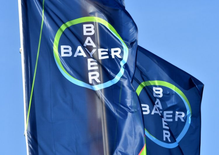Bayer indemnizará a más de cien mil enfermos de cáncer por herbicida