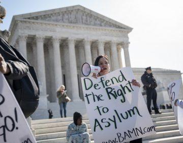 Corte Suprema de EU da luz verde a expulsión inmediata de solicitantes de asilo