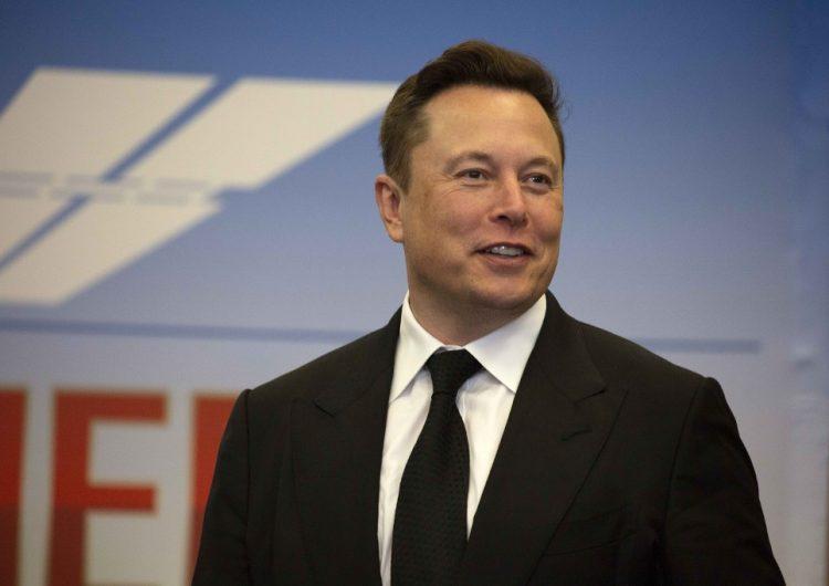 """Musk dice que """"es hora de romper"""" con Amazon por la """"censura"""" de un libro sobre COVID-19"""