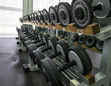 Canchas deportivas y gimnasios podrían reabrir la próxima semana
