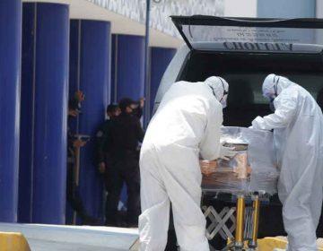 Covid-19 mantiene a Puebla en riesgo máximo