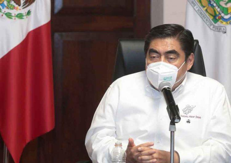 El doble discurso del Gobernador de Puebla, Miguel Barbosa