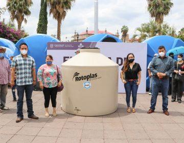 Otorgan cisternas de agua a familias de Calvillo