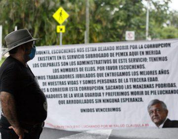 Protestan jubilados de Pemex, piden atención hospitalaria
