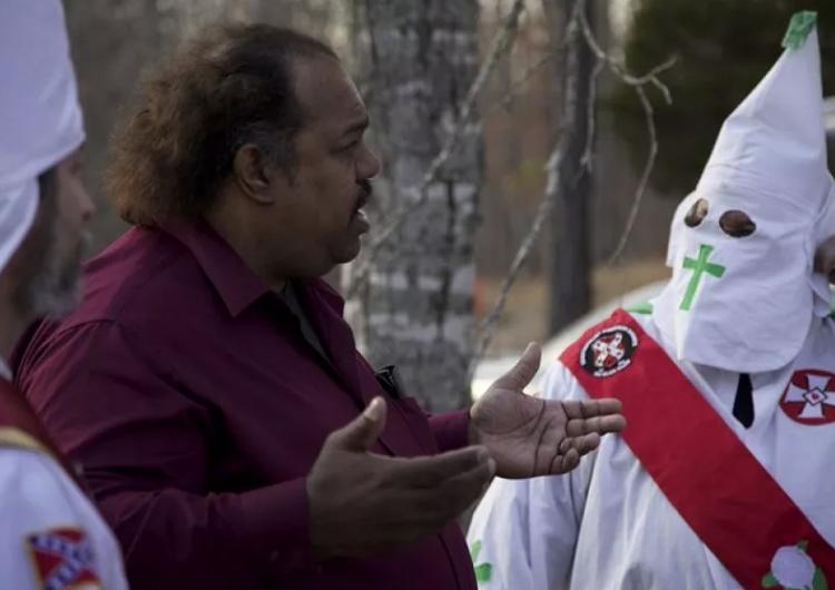 """Ex líder del KKK dice que el grupo es """"definitivamente"""" una organización terrorista"""