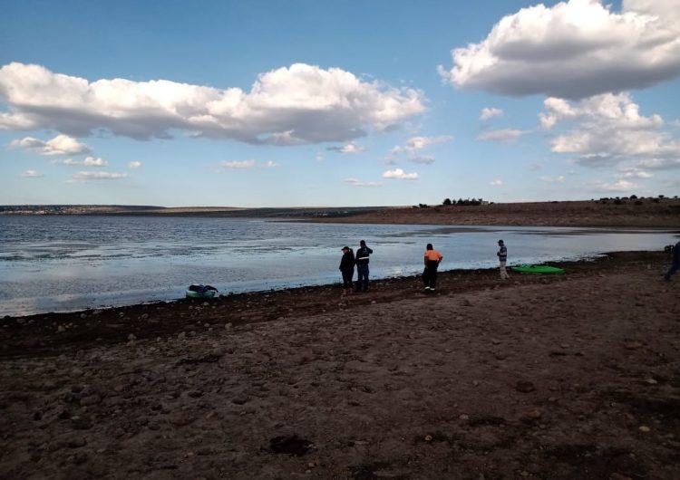 Desaparece guanajuatense que viajaba en kayak en la presa Calles