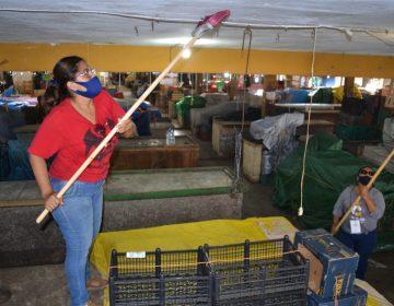 Sanitizan mercado Sainz de Baranda