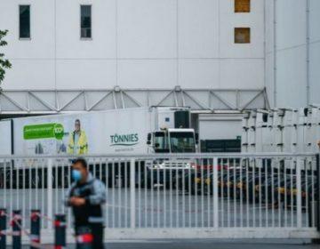 Un brote de COVID en un matadero de Alemania obligó a poner en cuarentena a miles de personas