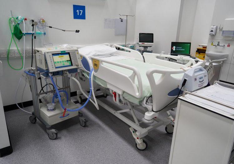 El coronavirus se puede propagar por la sala de un hospital en 10 horas: estudio