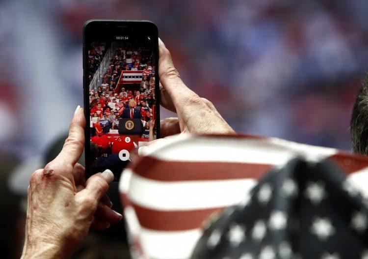 La app de campaña de reelección de Donald Trump recopila grandes cantidades de datos personales: expertos