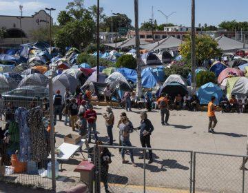 Juez bloquea la regulación del gobierno de Trump que limita las solicitudes de asilo